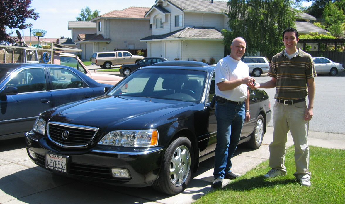 Acura RL: 472,000 Miles in 10 Years | drivetofive