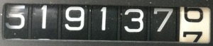 519137
