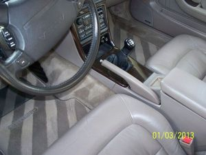 legend_sedan_5MT_interior