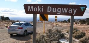 acura_ilx_moki_dugway_sign