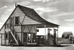santa_claus_gas_station_1940