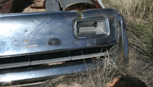 abandoned_car_rear_bumper_detail