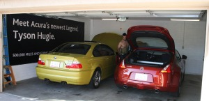 bmw_370z_in_garage