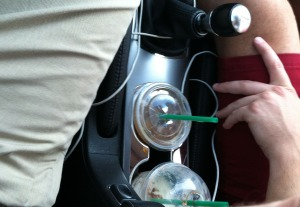 acura_ilx_cupholders_in_use