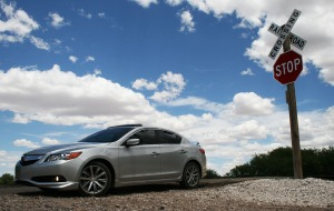 acura_ilx_rr_crossing