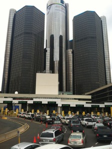 GM_building_detroit_border