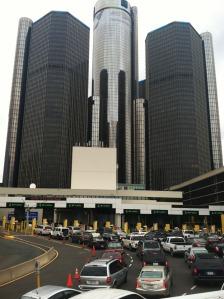 GM_building_detroit_border