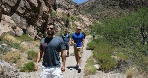hiking_queen_creek