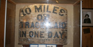 ten_miles_of_track_sign