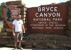 tyson_at_bryce_canyon_sign