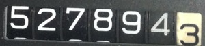 527894