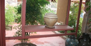 vase_in_window