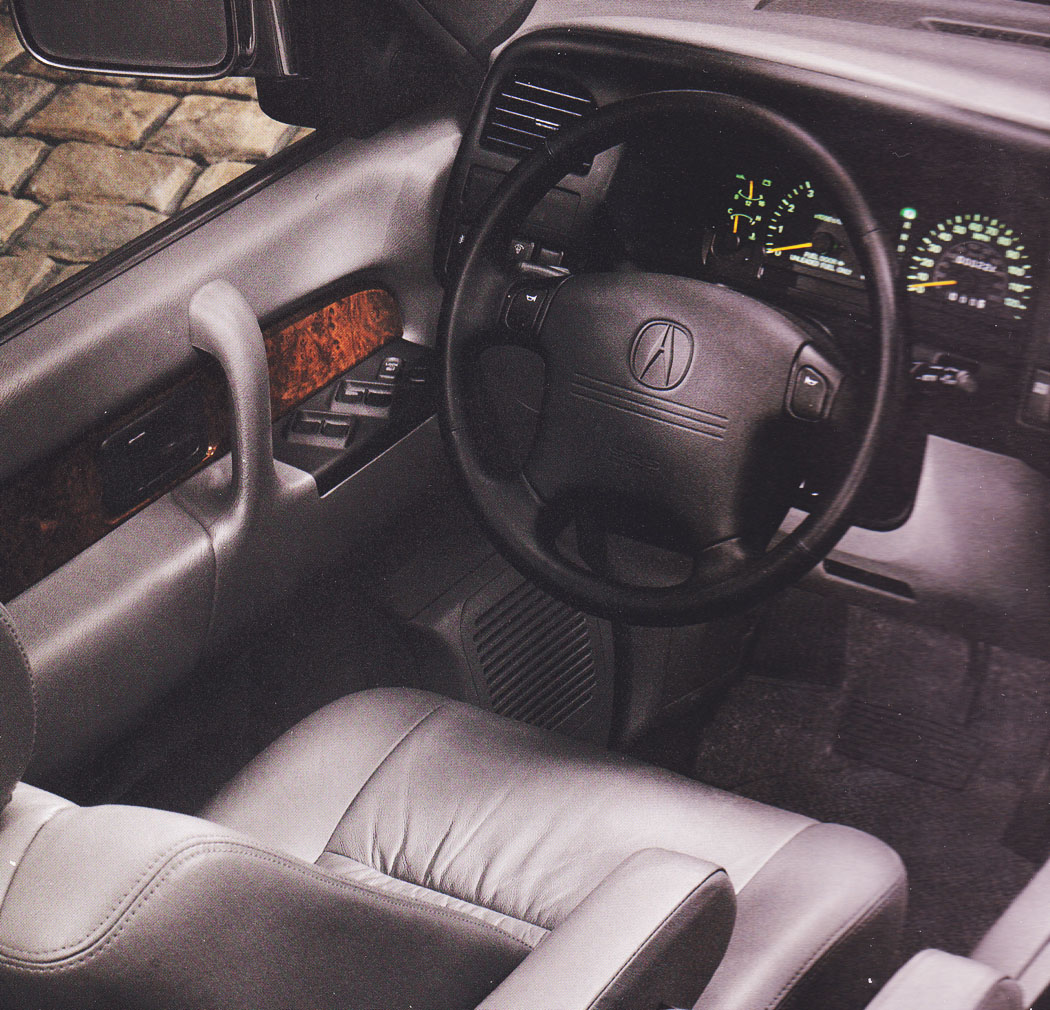 Also here in 1996 was when we first saw acura shifting from the named models legend vigor to an alphanumeric nomenclature rl tl