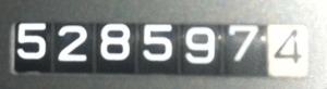 528597
