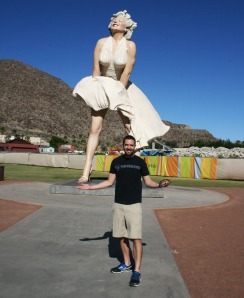 tyson_with_marilyn_statue