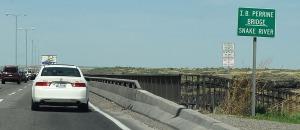 tsx_on_perrine_bridge