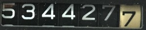 534427