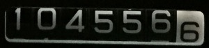 104556