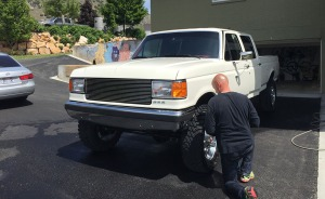 dad_washing_truck