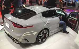 kia_stinger_back